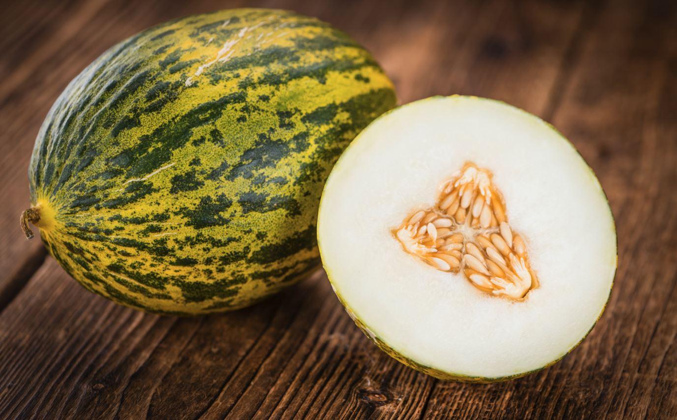 Futoro Melone auf Holztisch