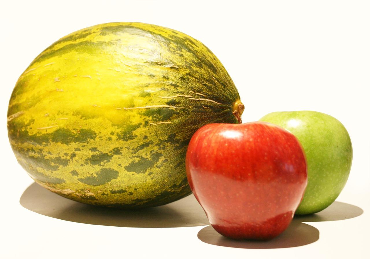 Melone und Äpfel