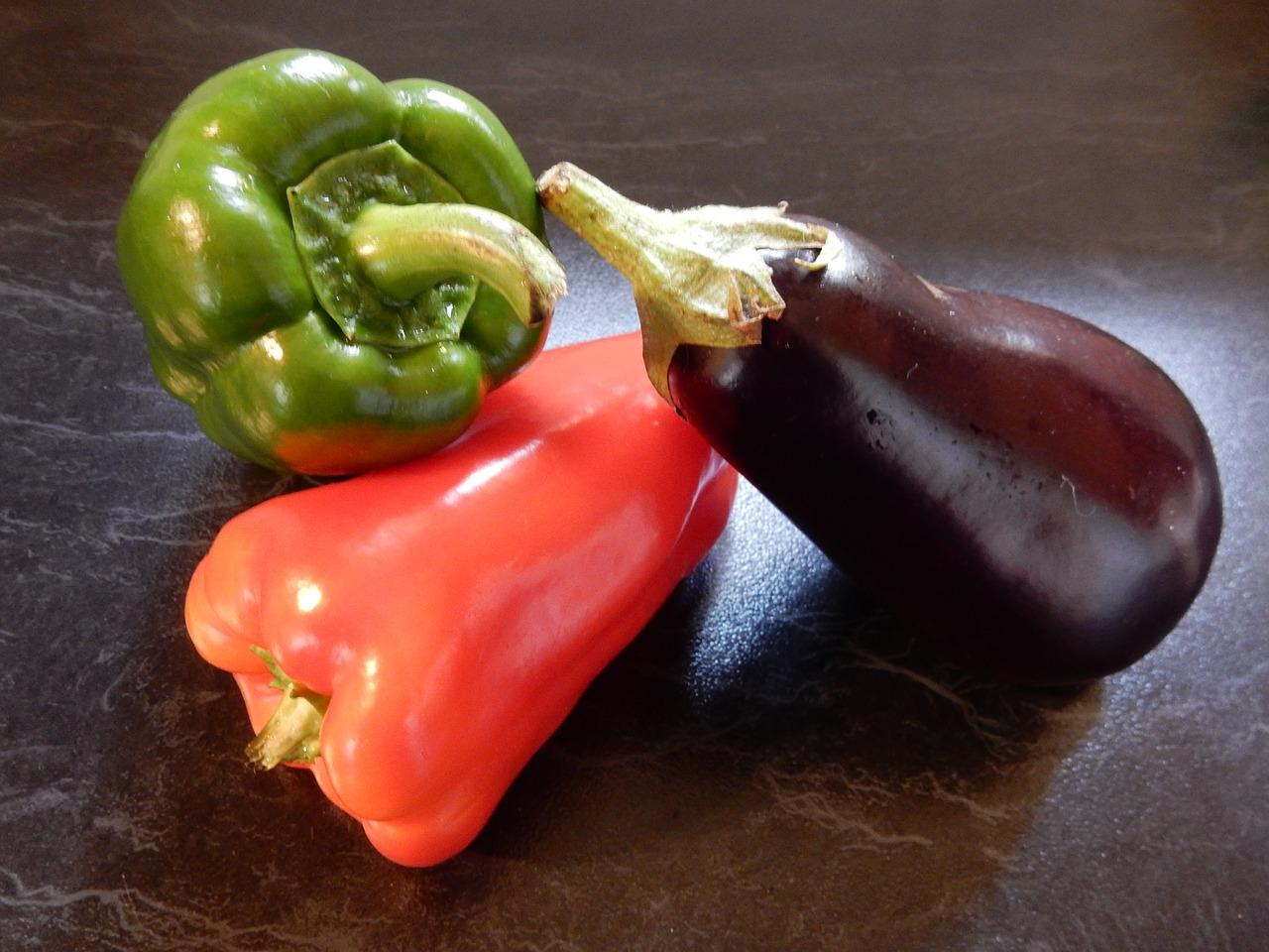 Aubergine und Paprika, Fötusvergleich 21./22 Schwangerschaftswoche