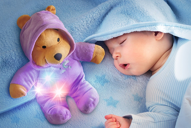 Winnie Schlummerlicht im Bettchen