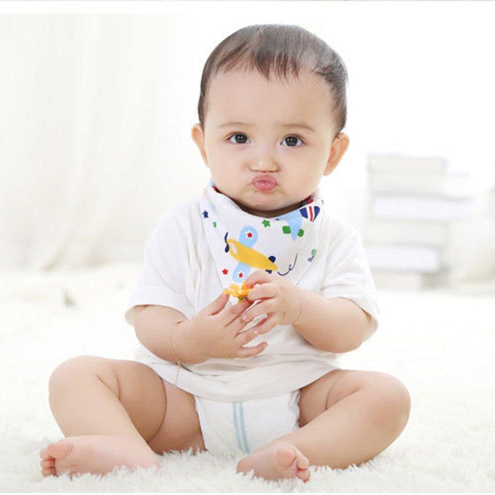 Baby mit halstuch