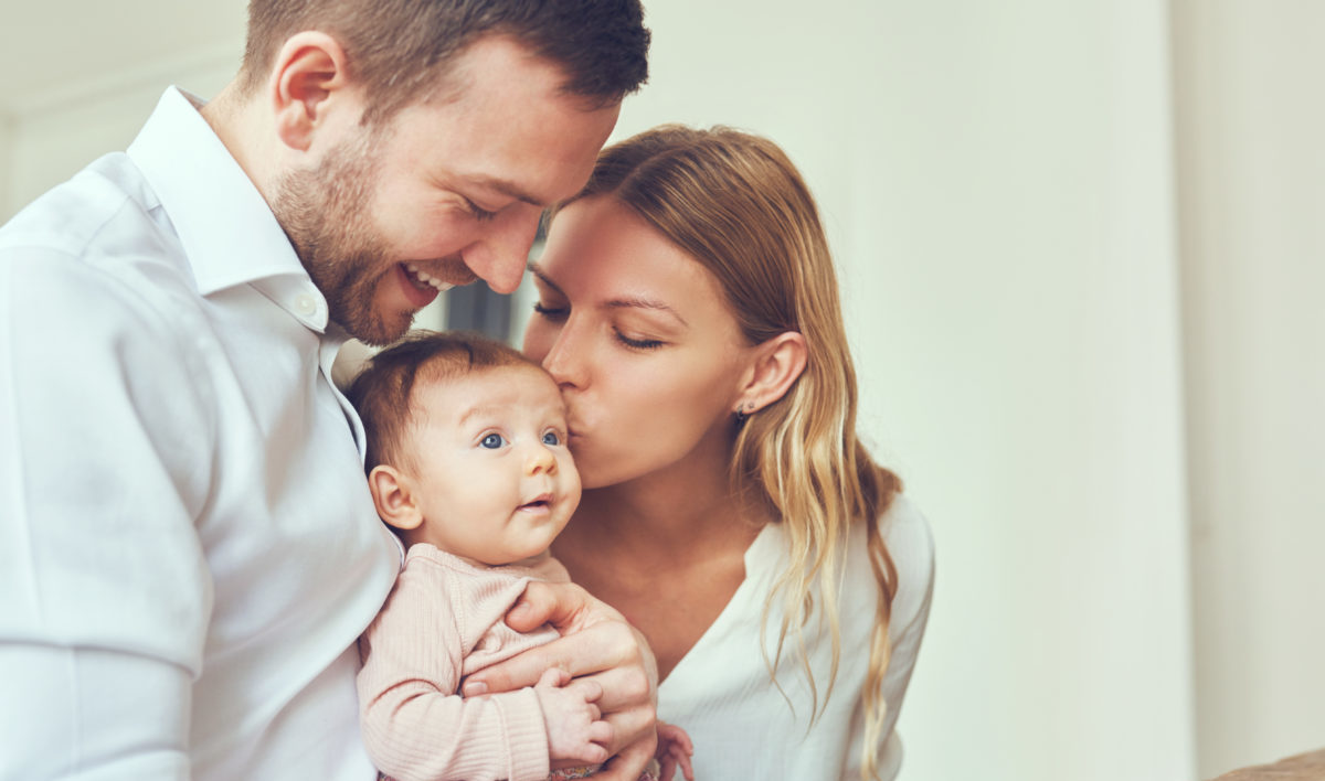 Glückliche Eltern