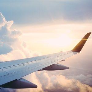 Geburt über den Wolken - Schwangere bekommt Baby im Flugzeug