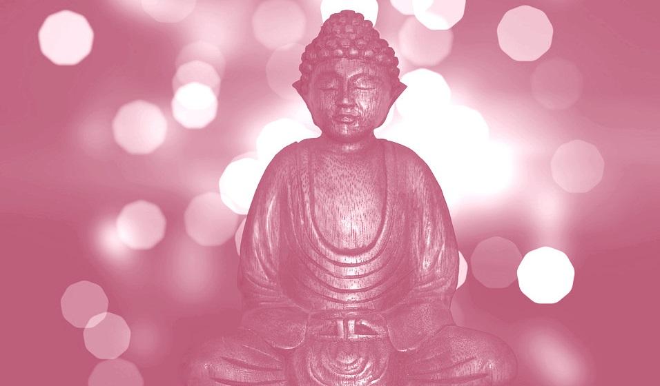 Buddhastatue aus Holz