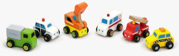 Holzautos im Set