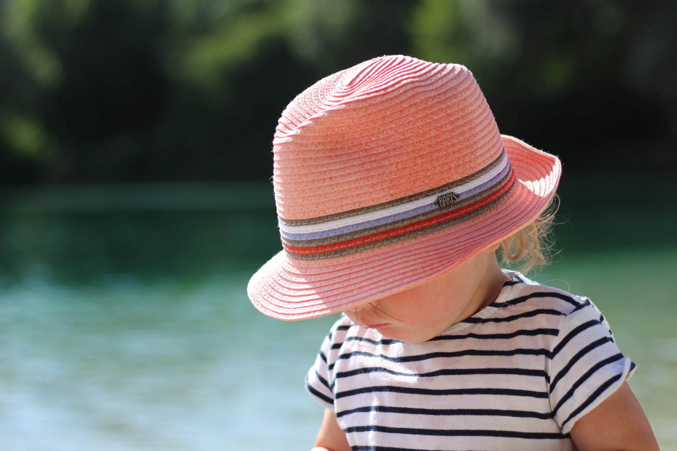 Foto von Mädchen am See