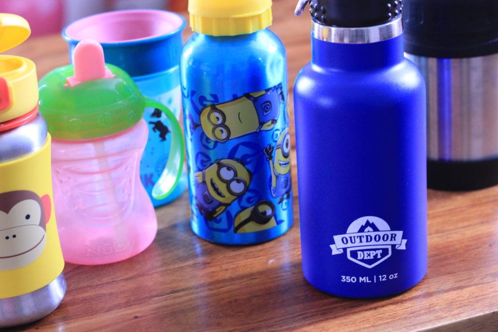 Verschiedene Trinkflaschen im Vergleich
