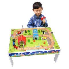 Holzeisenbahn inklusive Spieltisch