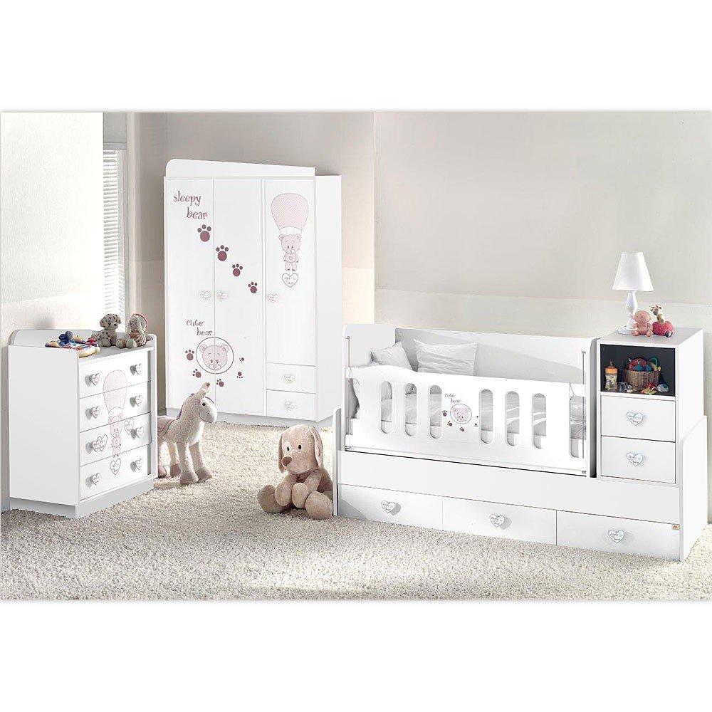 Kinderzimmer in weiß mit Herzknöpfen
