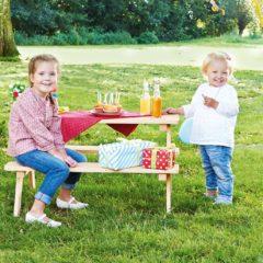 Kinder-Sitzgruppe mit Kindern