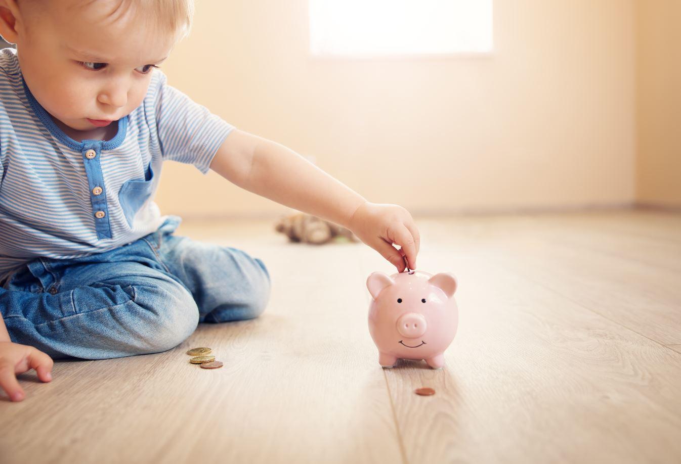 Geld in Sparschweine