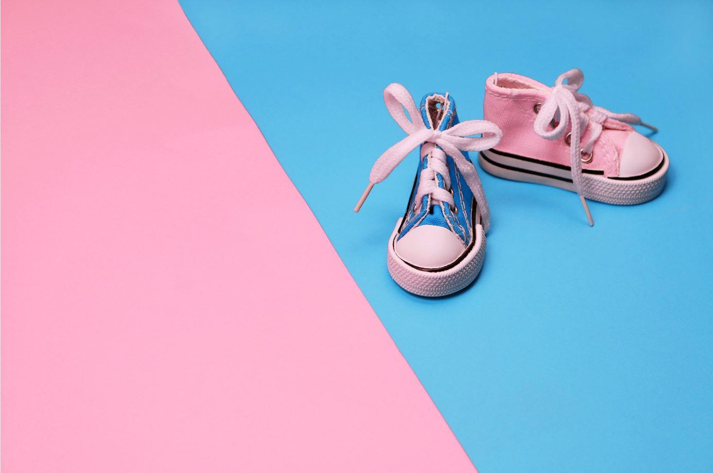 rosa und blau Schuhe