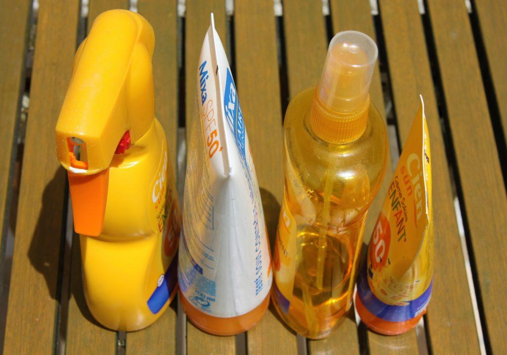 Sonnencremes für Kinder verschiedene Flaschen