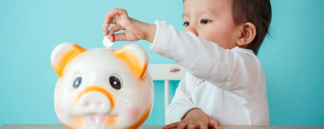 Banner: Familiengeld – Bayern verabschiedet Gesetz um Familien zu unterstützen
