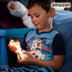 Junge mit Olaf Nachtlicht