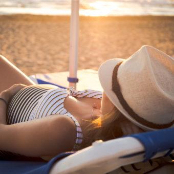 Schwangere am Strand