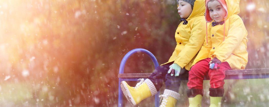 Banner: Regenwetter – Über 20 Ideen, was ihr bei Schmuddelwetter machen könnt!