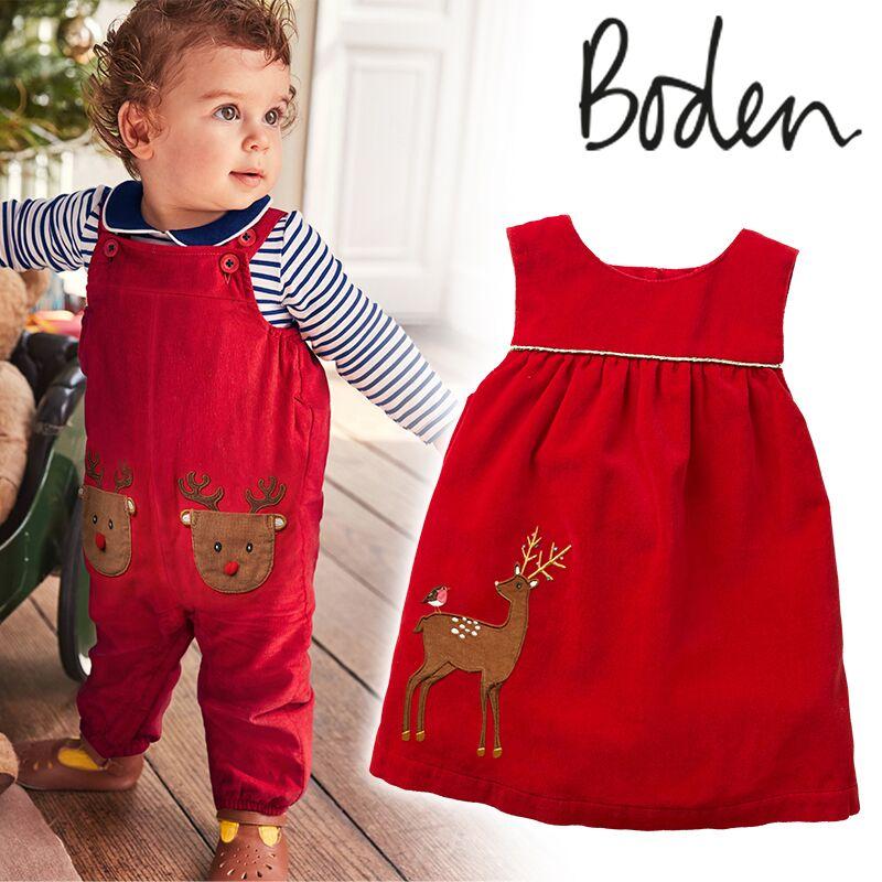rotes Kleid mit Rentier