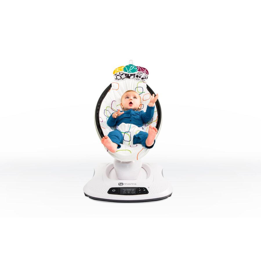 Baby sitzt in der Babywippe