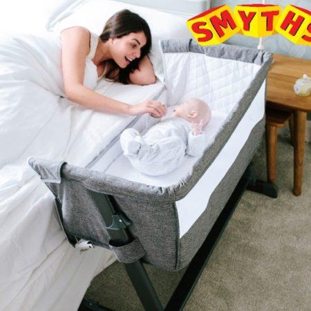 Mutter und Baby im Beistellbett