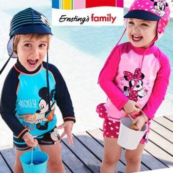 Kinder in Minie und Micky Kleidung