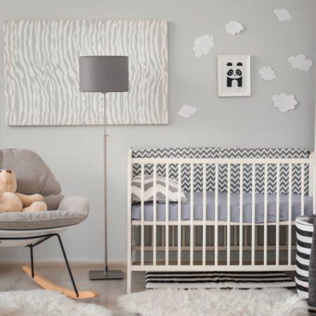 Babyzimmer in grautönen
