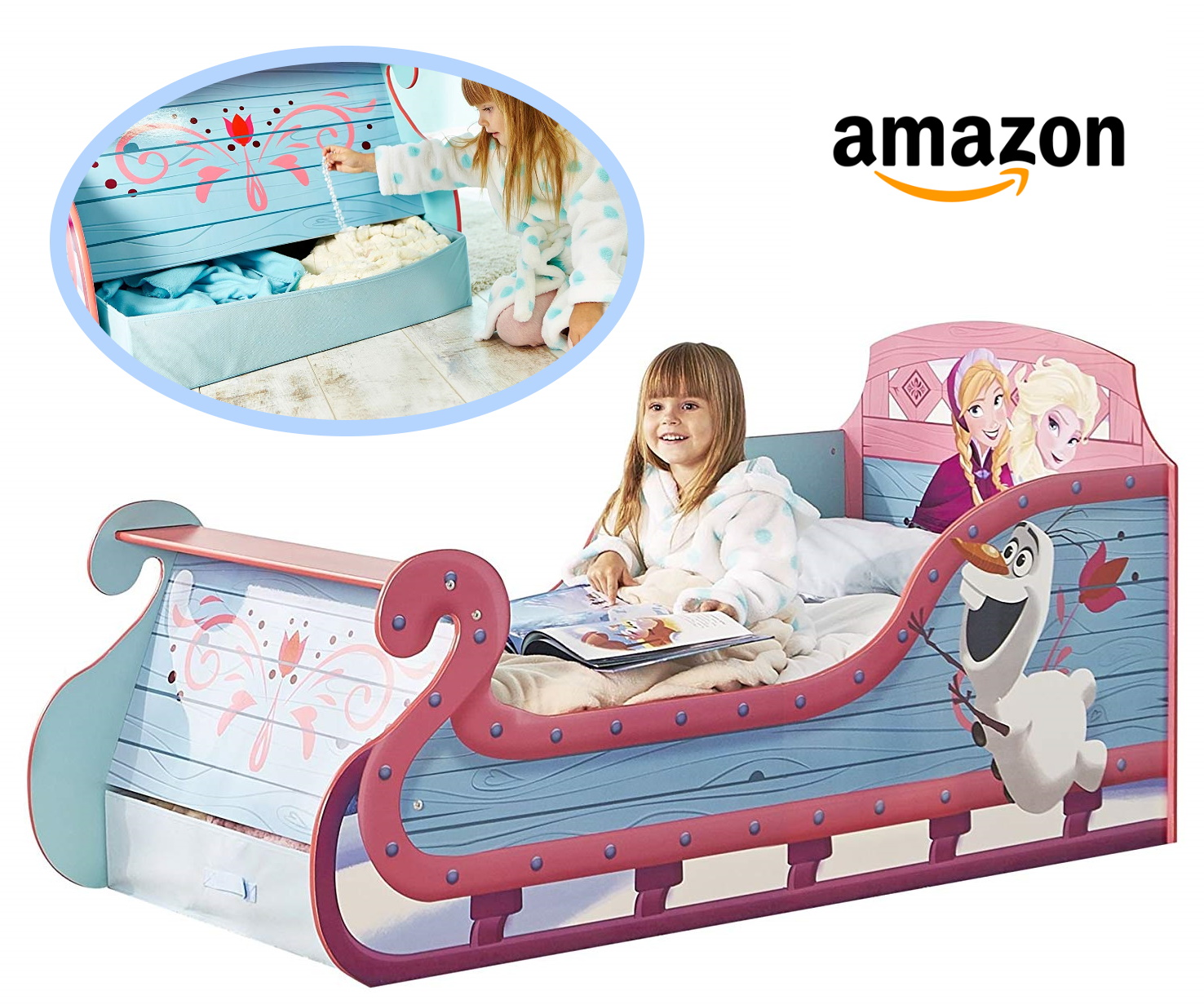 Mädchen sitzt im Anna und Elsa Bett