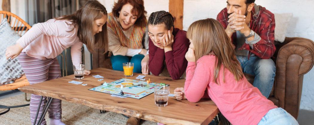 Banner: Warum Gesellschaftsspiele für Kinder so wichtig sind