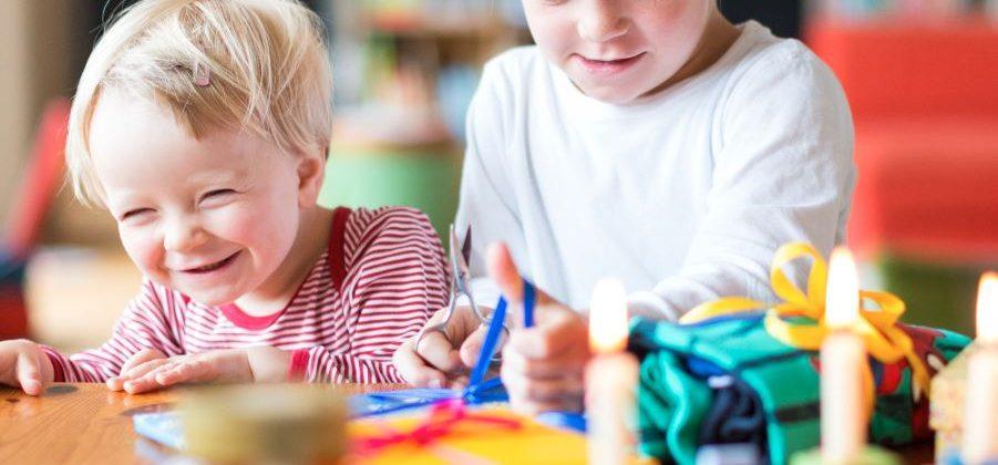 Banner: Geschenkideen für Kinder von 2 bis 4 Jahren