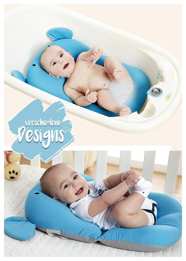 Baby auf blauen Baby Badekissen