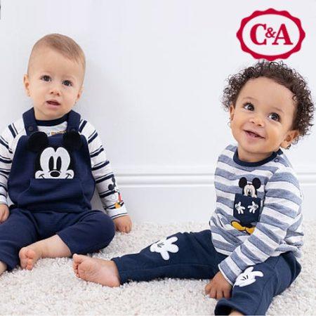 Kinder mit Mickey Maus Kleidung