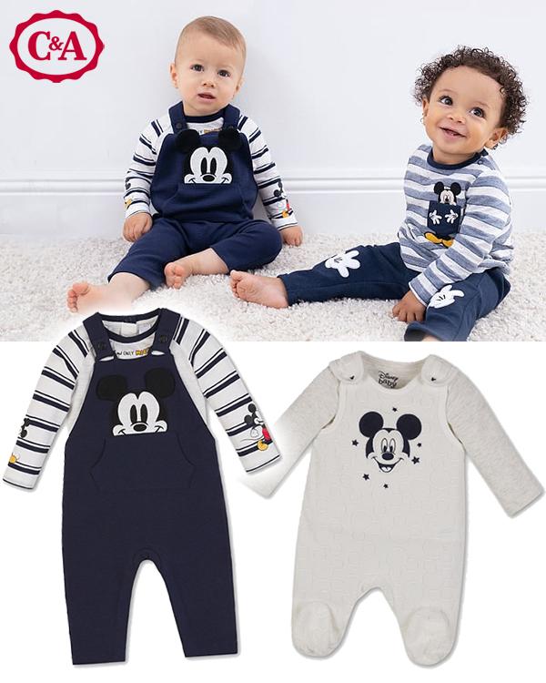 Baby mit Mickey Maus Kleidung