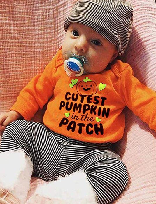Baby in Halloween-Bekleidungsset