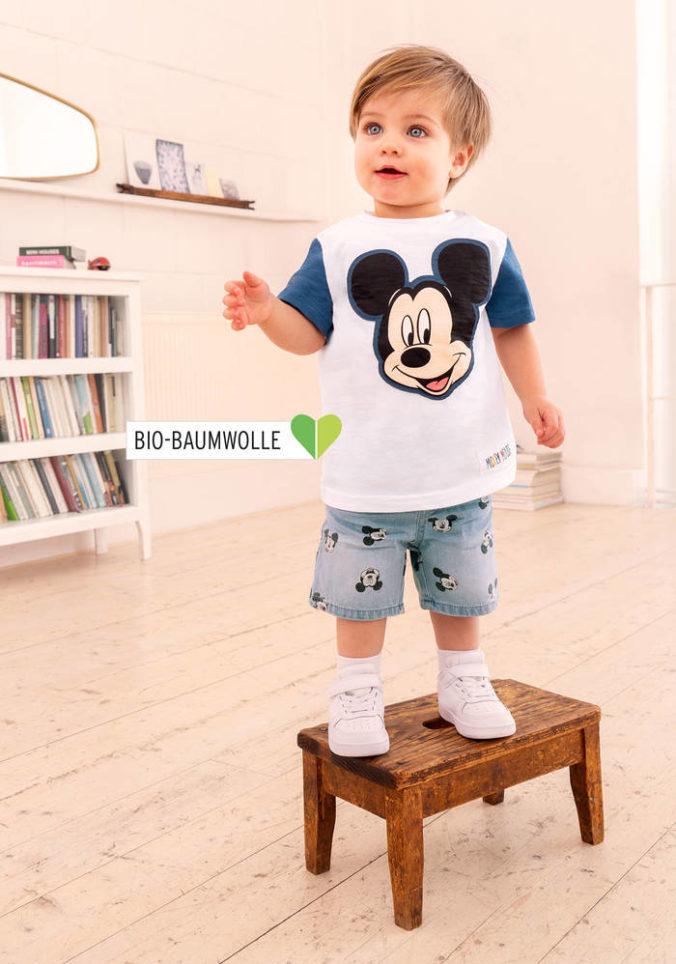 Kind in Disneymode