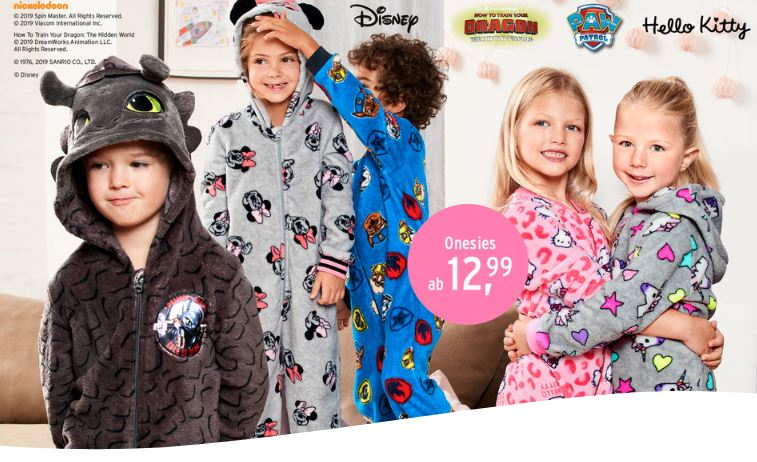 Kinder in Kuscheloverall Onesies