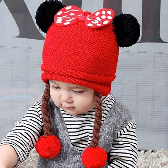 Baby mit Minnie Mütze
