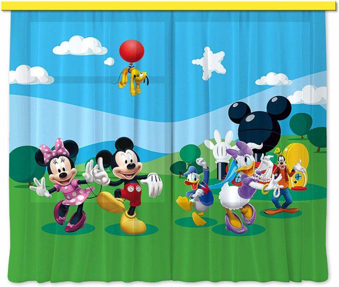Vorhänge im Micky Mouse Design