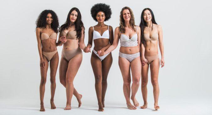Frauen in Unterwäsche