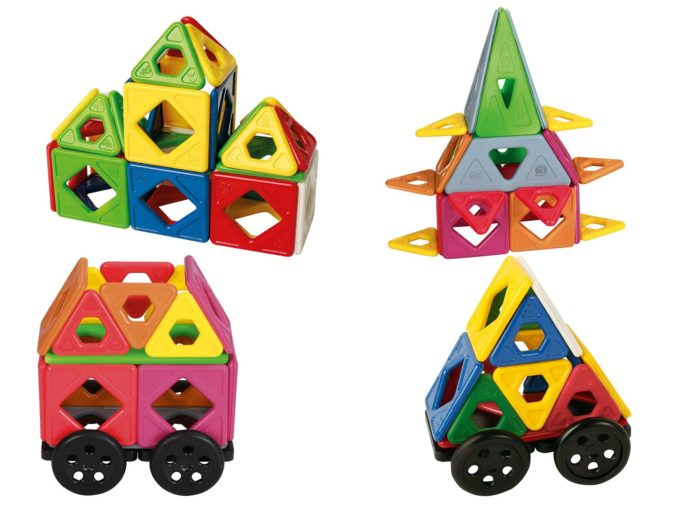 vier Sets Magnetbausteine für Kinder