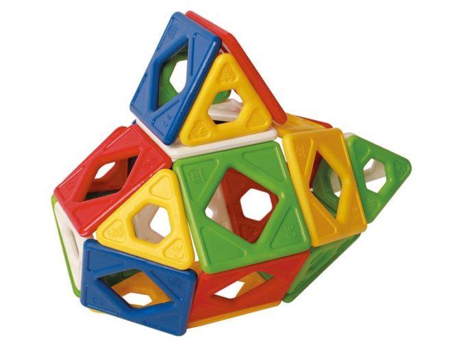 Modell aus Magnetbausteinen für Kinder