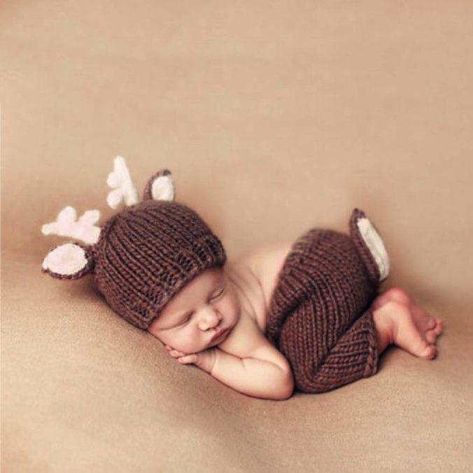 Baby in Rehkostüm