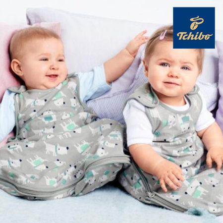 Babys in Schlafsäcken