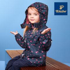 Kind in Regenjacke