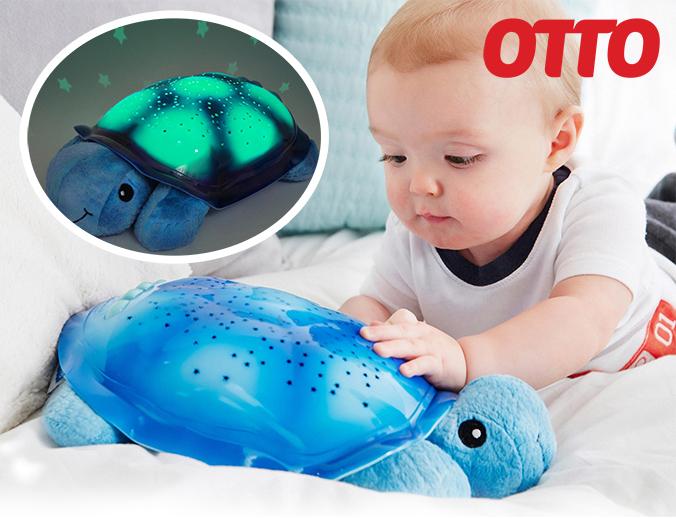 Baby mit Cloud B Nachtlicht Turtle