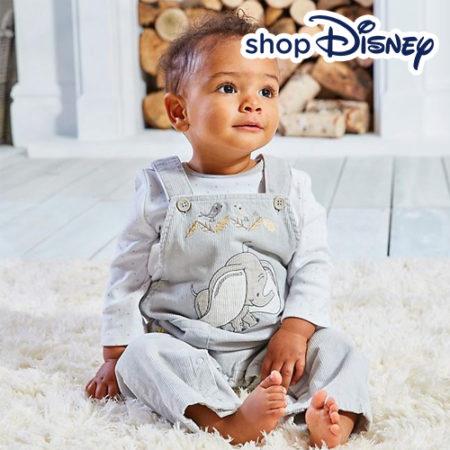 Baby in Dumbo Latzhose