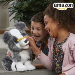Kinder mit Hasbro Plüschkatze Cara