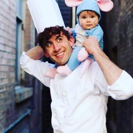 Papa mit Kind als Maus verkleidet