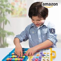 """Junge spielt Lernspiel """"Ich lerne rechnen"""""""