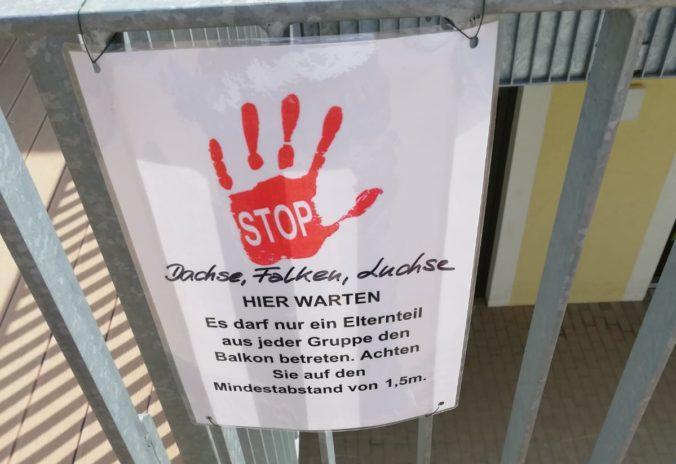Stopp Schild Kindergarten