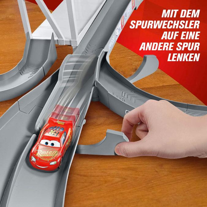 Cars Rennbahn mit Spurenwechsler